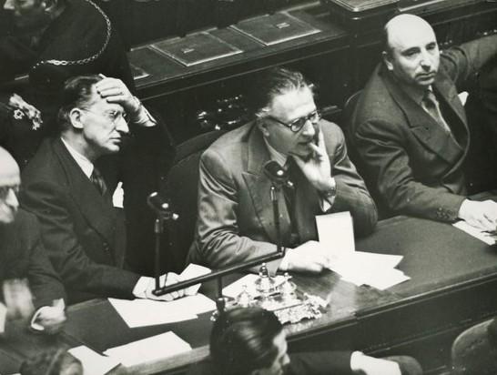 Scelba de gasperi pacciardi durante una seduta del v for Lavori camera dei deputati