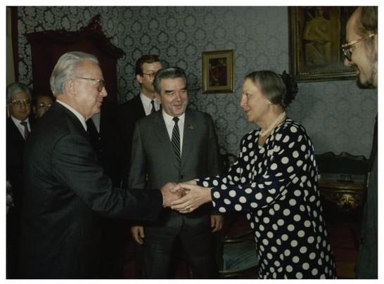 Parlamentari del soviet supremo 27 settembre 1989 for Lavori parlamentari