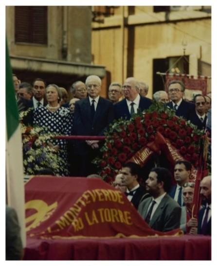Funerali a piazza montecitorio di giancarlo pajetta 14 for Web tv camera deputati