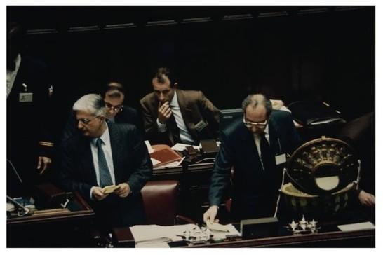 Elezioni presidente della camera 23 aprile 1992 for Presidente della camera attuale