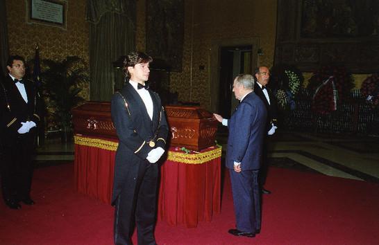 Camera ardente dell 39 onorevole nilde iotti 5 dicembre 1999 for Camera dei deputati archivio storico
