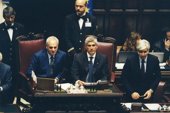 Votazione per l 39 elezione di otto componenti del consiglio for Il parlamento in seduta comune