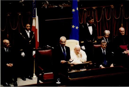 Visita di sua santit giovanni paolo ii al parlamento for Senato della repubblica diretta