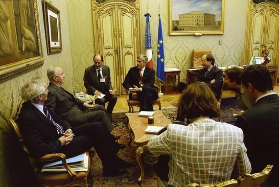 Il presidente della camera dei deputati pier ferdinando for Commissione esteri camera