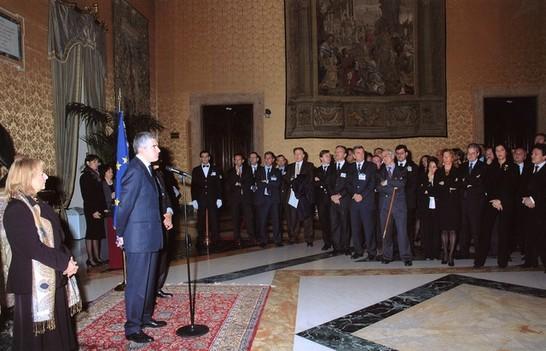 Conferimento delle onorificenze al merito della repubblica for Repubblica parlamentare italiana