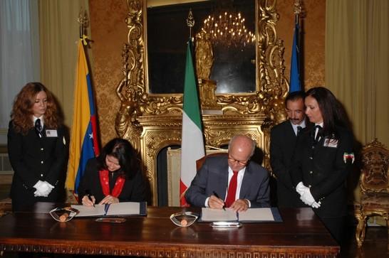 Firma del protocollo di cooperazione parlamentare tra l for Repubblica parlamentare italiana