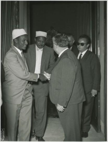 Un gruppo di parlamentari somali visita la camera dei for Web tv camera deputati