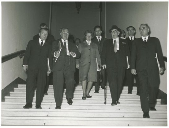 Un gruppo di parlamentari rumeni visita montecitorio e for Lavori parlamentari