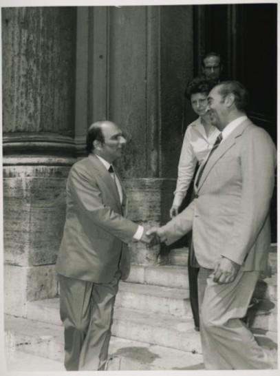L ambasciatore di Panama giunge a Montecitorio e viene ricevuto dal ... d300cc72069a