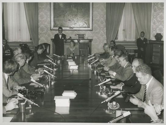 Il presidente della camera dei deputati nilde iotti riceve for Camera dei deputati archivio storico
