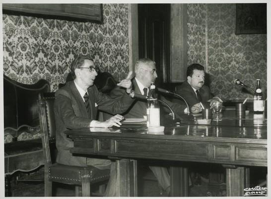 Commissione professor vezio crisafulli 2 marzo 1982 for Lavori camera dei deputati