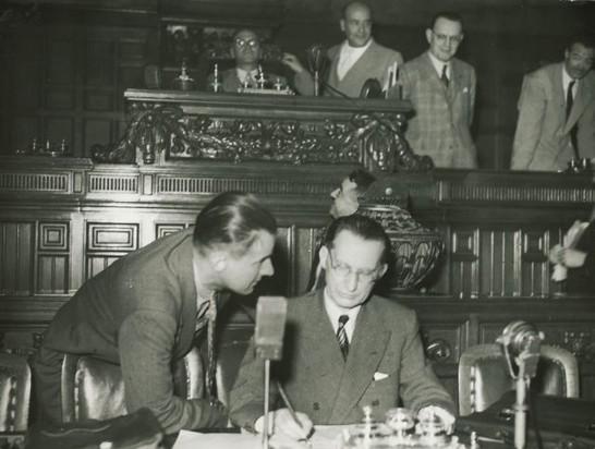 Prima seduta dell 39 assemblea costituente ed elezione dei for Ufficio di presidenza camera