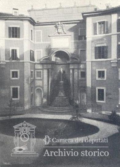 La fontana tornata in luce dopo la demolizione dell 39 aula for Diretta camera deputati