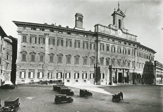Esterni palazzo montecitorio i palazzi della camera for Camera dei deputati palazzo montecitorio