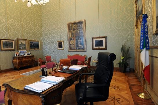 Studio del presidente palazzo montecitorio i palazzi for Portale camera