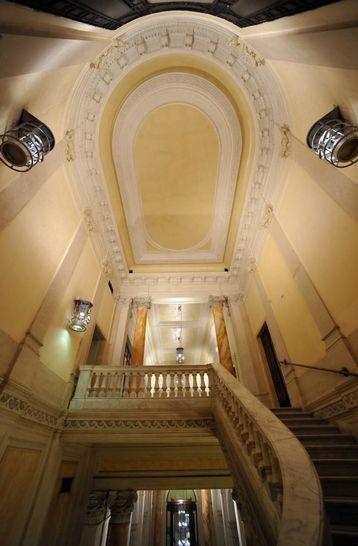 Interni palazzo ex banco di napoli i palazzi della for Camera deputati diretta